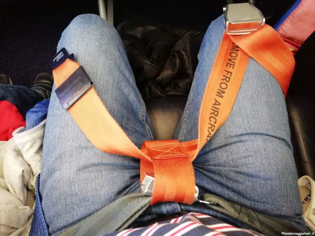 Cintura neonato in aereo