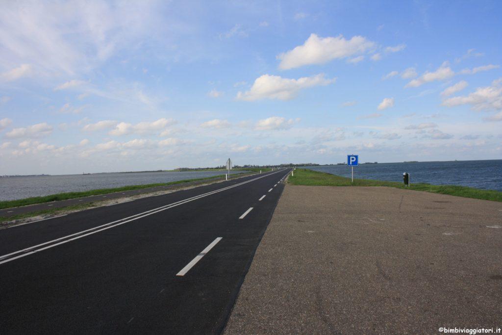 Strada sul mare