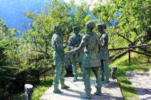Monumento alla vicinia di Canale