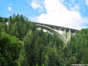 Saltare il Ponte Europa e raggiungere l'Austria