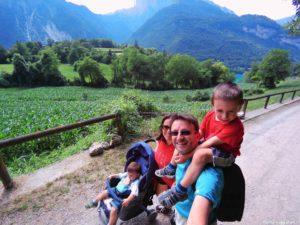 Strada per Canale con i bambini