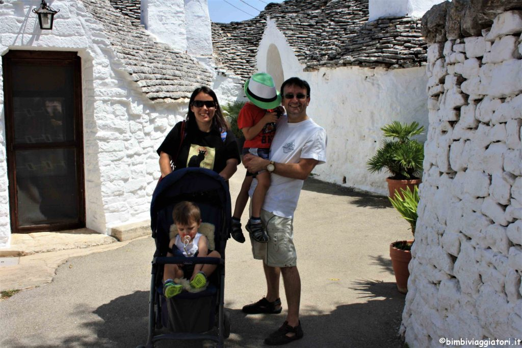Bimbi Viaggiatori a Alberobello