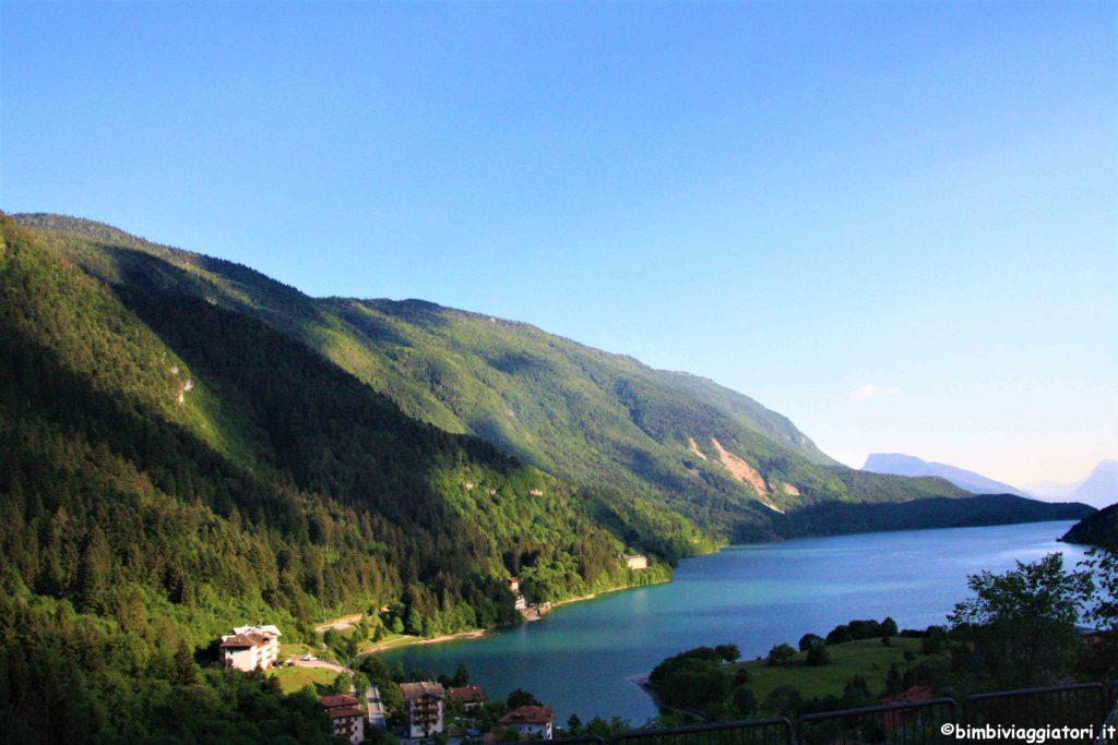 Paesaggio al Lago di Molveno