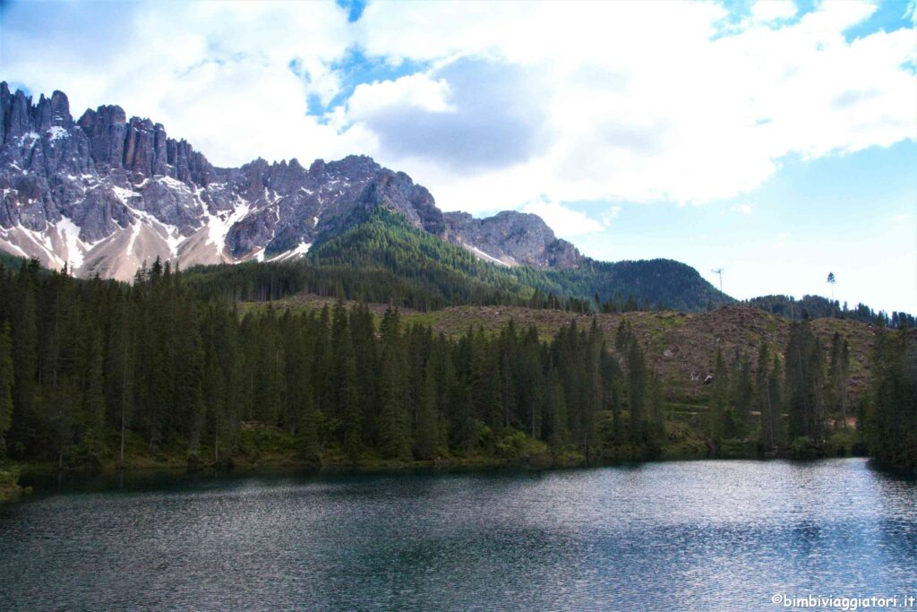 Lago alpino Carezza