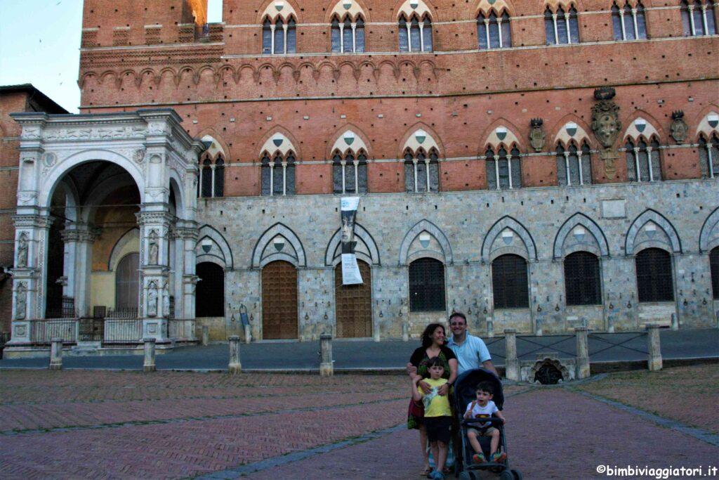 Bimbi Viaggiatori a Siena in Toscana