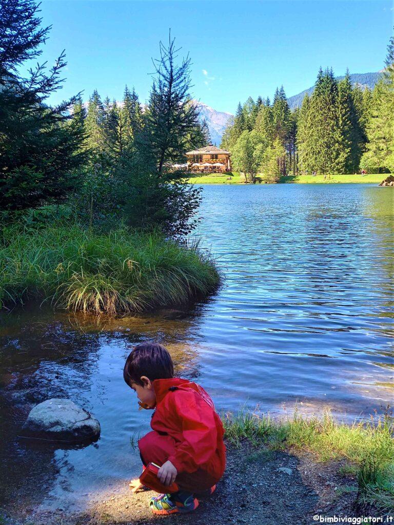 Lago dei Caprioli con bambini
